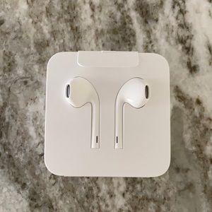 Apple EarPods with Lightening Connector